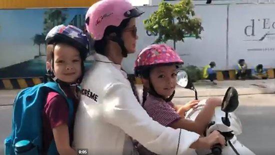 Sau khi xác nhận đã ly hôn chồng Tây, nữ ca sĩ gửi lời cảm ơn sự động viên của khán giả và bất ngờ chia sẻ khoảnh khắc hạnh phúc khi đưa con đi học bằng xe máy…