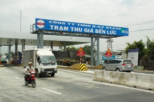 Việc Bộ GTVT sử dụng cụm từ Trạm thu giá tại các trạm BOT đã gây nhiều tranh cãi (Ảnh minh họa: Người lao động).