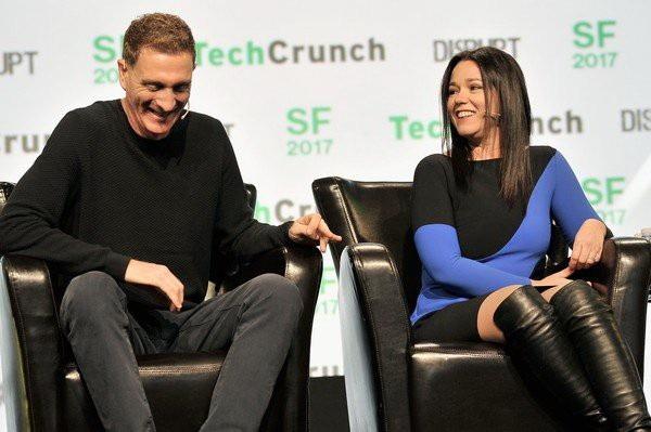Alon Cohen và vợ Adi Tatarko thuyết trình tại một sự kiện công nghệ ở San Francisco, bang California, Mỹ hồi tháng 9-2017. Ảnh: Getty