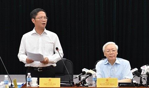Bộ trưởng Bộ Công Thương Trần Tuấn Anh phát biểu tại buổi làm việc với Tổng Bí thư Nguyễn Phú Trọng ngày 11/7.