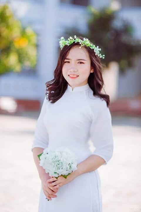 Hà Thị Vân - cô sơn nữ của huyện biên giới Quế Phong là một trong 2 thí sinh đạt điểm 9,5 môn Ngữ văn của Trường DTNT THPT số 2 tỉnh Nghệ An