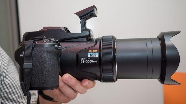 Nikon Coolpix P1000 có khả năng zoom quang học lên tới 125x