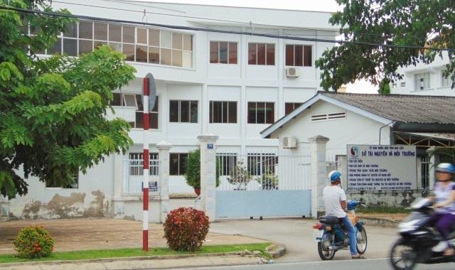Sở Tài nguyên và Môi trường tỉnh Bạc Liêu, nơi cơ quan Trung tâm Kỹ thuật Tài nguyên và Môi trường trực thuộc, có 3 cán bộ bị điều tra về hành vi Lạm dụng chức vụ, quyền hạn chiếm đoạt tài sản.