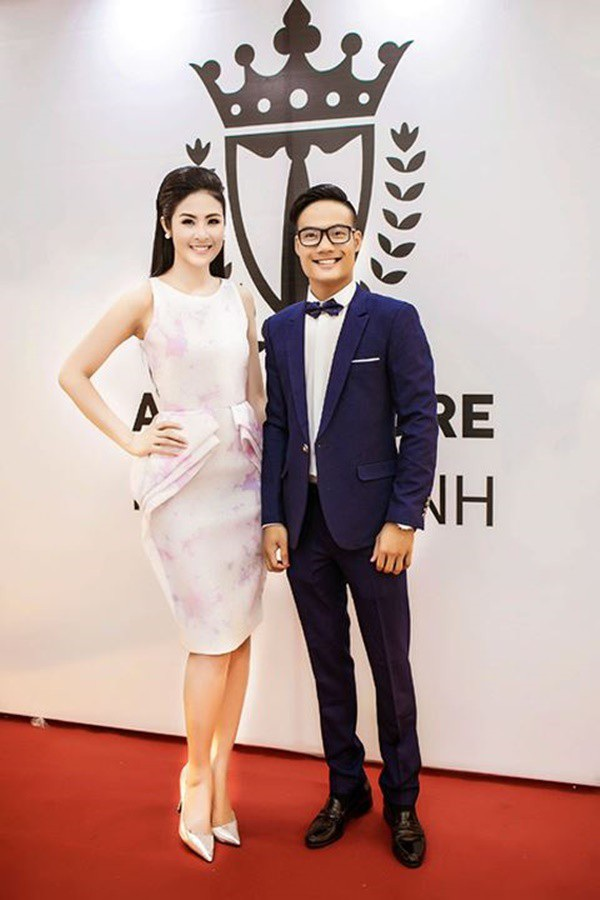 Em trai Hoa hậu Ngọc Hân tên là Đặng Quang Huy, sinh 1990 và sở hữu gương mặt hiền lành, tri thức.