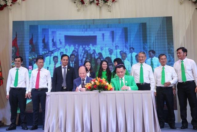 LienVietPostBank ký kết thỏa thuận hợp tác toàn diện với Tập đoàn Mai Linh - 1