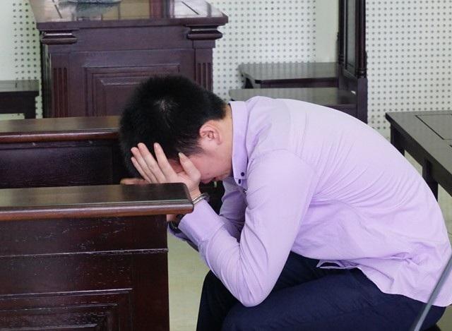 Bị cáo Minh bật khóc khi mẹ nạn nhân Tiến xin giảm án cho mình