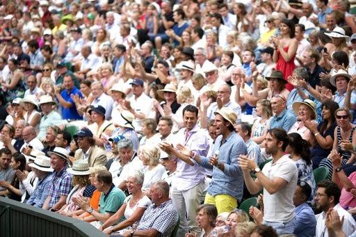 Khán giả phấn khích nhưng cũng phát mệt vì trận đấu của Anderson -Isner