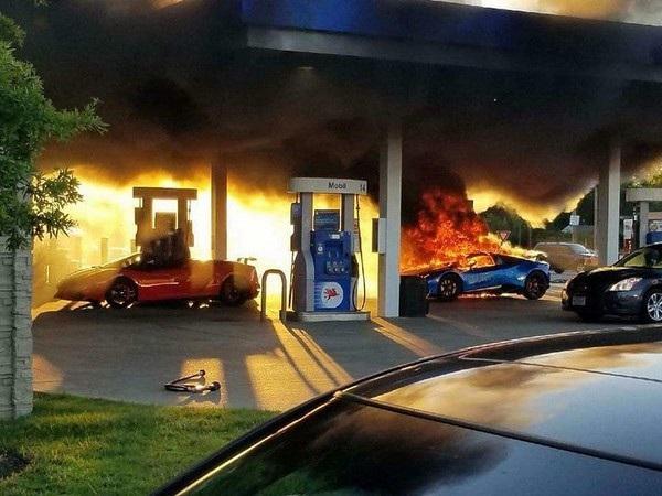 Một chiếc Lamborghini Gallardo Spyder cũng có tại hiện trường khi vụ hỏa hoạn xảy ra nhưng may mắn không bị bốc cháy