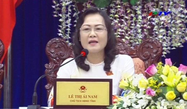 Chủ tịch HĐND tỉnh Bạc Liêu Lê Thị Ái Nam đề nghị Sở KH&CN nghiêm túc đánh giá, rà soát lại để việc quản lý nhà nước về khoa học công nghệ tốt hơn trong thời gian tới.