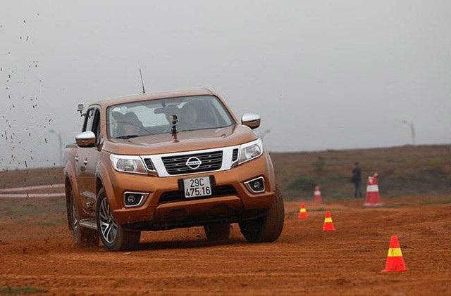 Nissan Việt Nam cho biết đã chính thức thông quan được mẫu bán tải Navara từ Thái Lan theo các yêu cầu của Nghị định 116 về kinh doanh nhập khẩu ôtô. Trong khi đó, hiện vẫn chưa có thông tin về các mẫu xe từ thị trường Nhật Bản như Teana, Urvan...