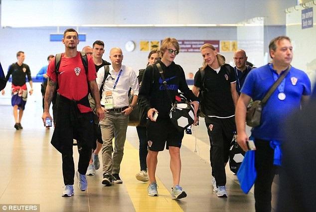Toàn đội sẽ có mặt ở sân bay Franjo Tudman (Zagreb) sau chuyến bay vài tiếng đồng hồ