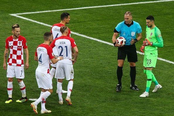 Croatia đã phải chịu hai bàn từ những tình huống hỗ trợ phòng thủ của các tiền đạo