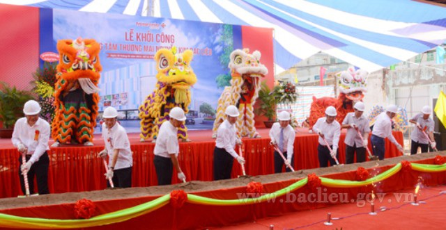 Khởi công xây dựng Trung tâm Nguyễn Kim Bạc Liêu vào tháng 4/2016. (Ảnh: Cổng TTĐT Bạc Liêu)