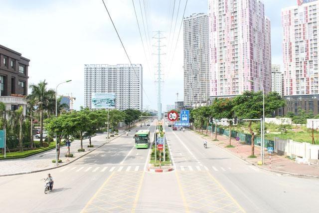"""Bus nhanh (BRT) và tàu điện trên cao (sắp sửa đưa vào sử dụng) là """"đặc quyền"""" cho cư dân sống tại các dự án phía Tây Hà Nội"""