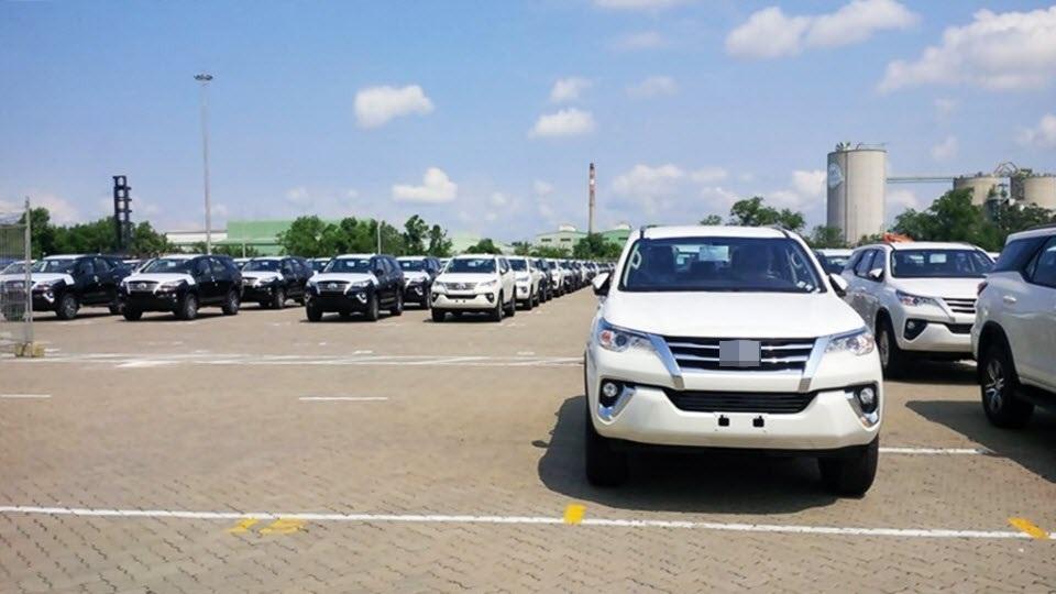 Lượng xe nhập tháng 7 chiếm 50% tổng lượng xe về Việt Nam 6 tháng qua, xe từ Thái và Indonesia vẫn độc chiếm thị trường xe nhập Việt Nam.