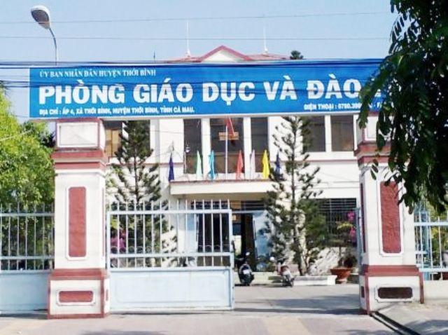 Phòng Giáo dục huyện Thới Bình chỉ đạo các trường, cơ sở giáo dục trực thuộc khẩn trương chấm dứt hợp đồng lao động đối với những giáo viên hợp đồng theo đúng quy định trước ngày 1/9/2018.