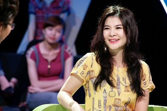 Diễn viên Kim Oanh không chỉ để lại dấu ấn với một loạt vai diễn sắc sảo, ghê gớm, nữ nghệ sĩ đang nhận nhiều sự chú ý khi làm giám khảo chương trình Gương mặt thân quen.