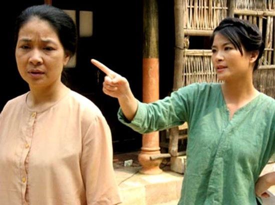 """Kim Oanh còn gây chú ý với vai Ló - người phụ nữ nông thôn trải đời, đanh đá, chửi như hát hay trong """"Ma làng"""" ."""