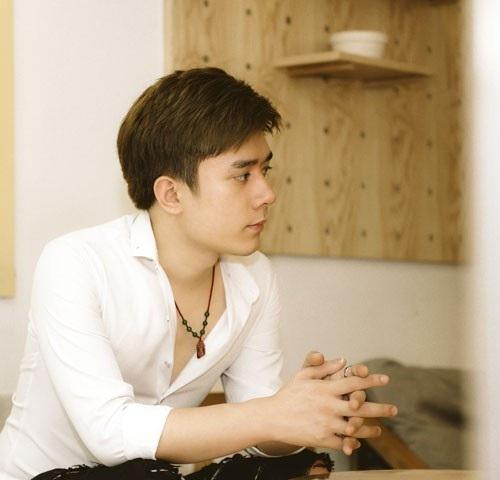 Ca sĩ trẻ Nhật Phong.