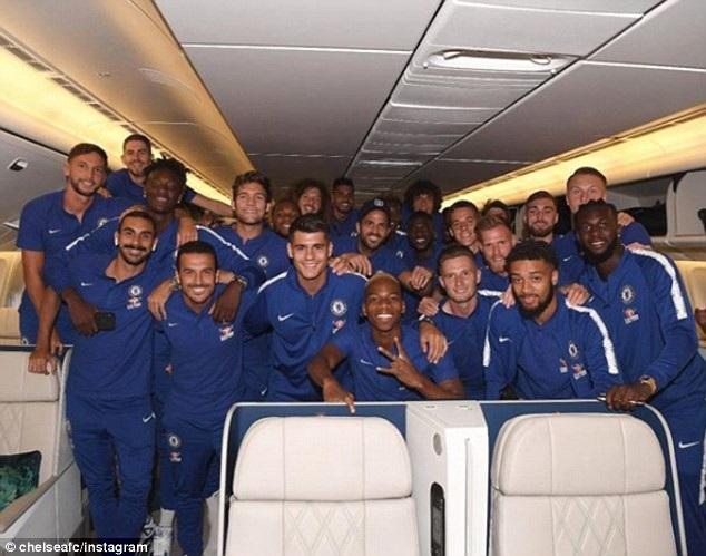 Các cầu thủ Chelsea đã hội quân và lên đường di chuyển tới Australia. Điểm đến đầu tiên của Chelsea trong mùa Hè năm nay là Perth