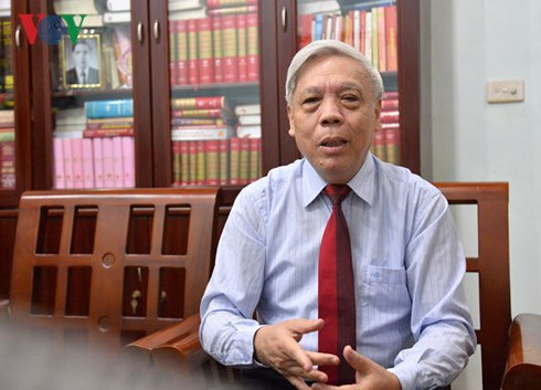 PGS.TS Nguyễn Trọng Phúc – nguyên Viện trưởng Viện Lịch sử Đảng (Học viện Chính trị Quốc gia Hồ Chí Minh).
