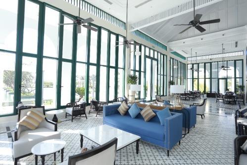 Bên cạnh đó, Vinpearl Resort & Golf Nam Hội An còn chinh phục gôn thủ bằng những tiện ích và dịch vụ xứng tầm của chuỗi khách sạn nghỉ dưỡng tiêu chuẩn 5 sao quốc tế Vinpearl Resort & Golf Nam Hội An.