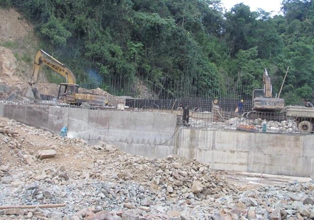 Công trình thủy điện Suối Choang được xây dựng tại huyện Con Cuông, Nghệ An. (ảnh MCG)