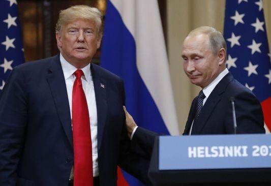 Hai nhà lãnh đạo Nga - Mỹ gặp nhau tại Phần Lan ngày 16/7 (Ảnh: AFP)