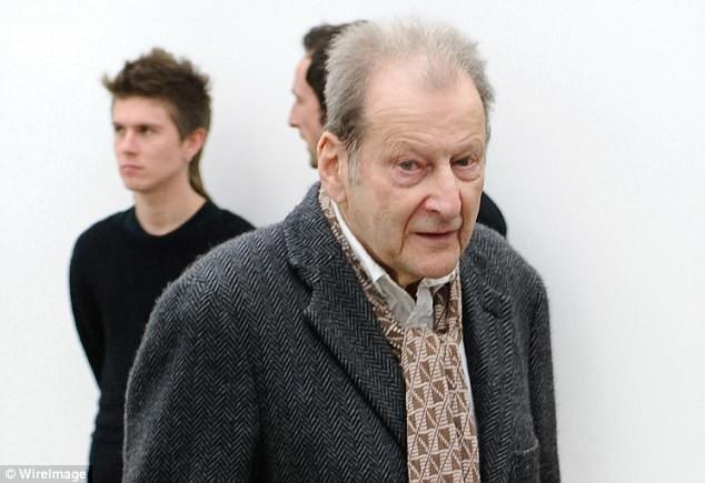 Trong khi người bạn Tom Wright không thành công trong sự nghiệp hội họa, thì Lucian Freud (1922-2011; ảnh) về sau đã trở thành một trong những danh họa nổi tiếng hàng đầu của Anh.