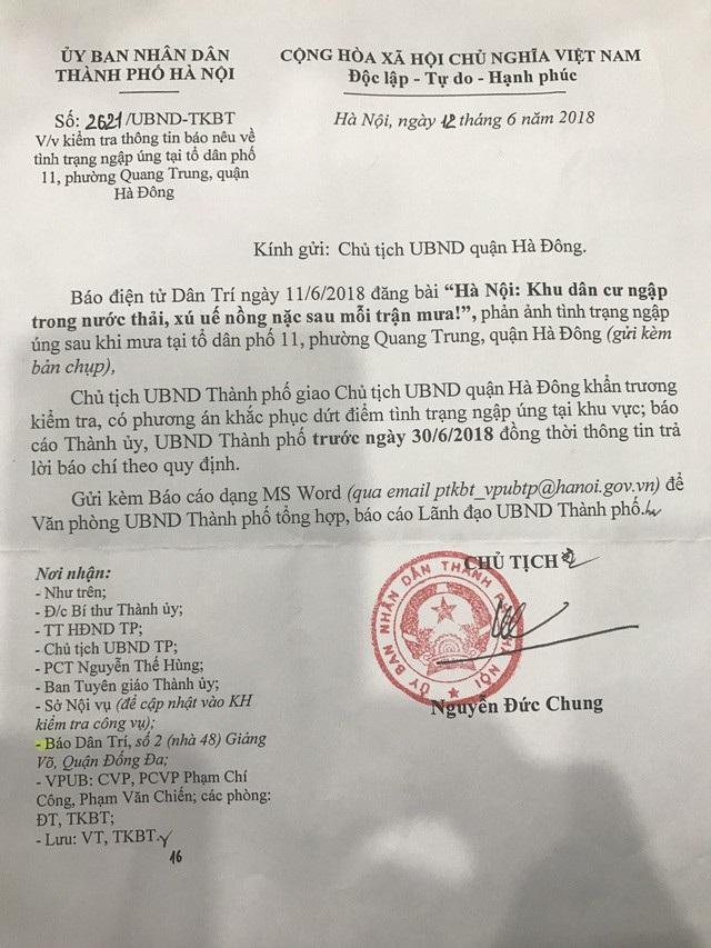 Chủ tịch UBND thành phố Hà Nội, ông Nguyễn Đức Chung đã chỉ đạo trực tiếp Chủ tịch UBND quận Hà Đông khẩn trương xử lý dứt điểm tình trạng ngập úng tại dãy C1, C2 tổ dân phố 11, phường Quang Trung, quận Hà Đông.