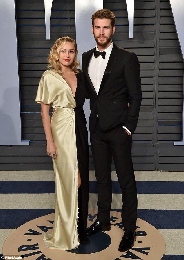 Cách đây ít ngày, nhiều tờ báo bất ngờ đưa tin Miley Cyrus và bạn trai Liam Hemsworth đã chia tay nhau