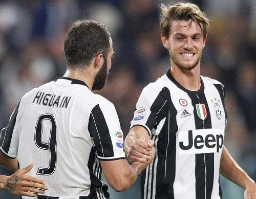Chelsea muốn chiêu mộ Higuain và Rugani