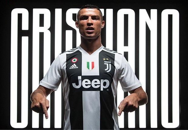Dù ở tuổi 33 nhưng C.Ronaldo vẫn có giá cao ngất ngưởng. Mùa Hè 2018, cầu thủ này vừa chuyển sang Juventus với giá 99,2 triệu bảng. Anh được kỳ vọng sẽ tạo nên cú hích lớn cho Juventus cũng như giải Serie A.