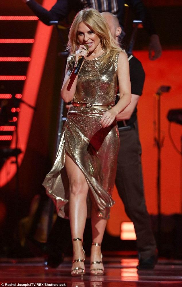 Cô biểu diễn trong chương trình The Voice Kids của Anh