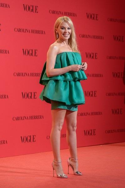 Ở tuổi 50, Kylie Minogue đã qua nhiều chuyện tình thất bại và cô nghĩ hôn nhân không dành cho mình.