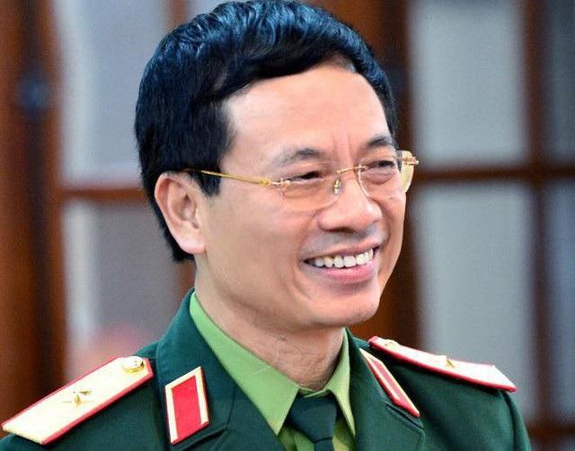 ông Nguyễn Mạnh Hùng, Bí thư Ban cán sự đảng Bộ TT&TT, Chủ tịch Hội đồng quản trị kiêm Tổng giám đốc Tập đoàn Công nghiệp – Viễn thông quân đội (Viettel)
