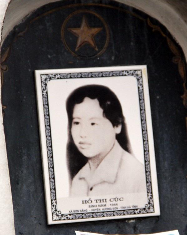 Nữ anh hùng Hồ Thị Cúc