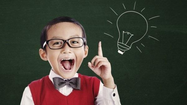 """Người đeo kính không chỉ trông """"trí thức"""" mà họ có thể thực sự thông minh hơn! - Ảnh 1."""