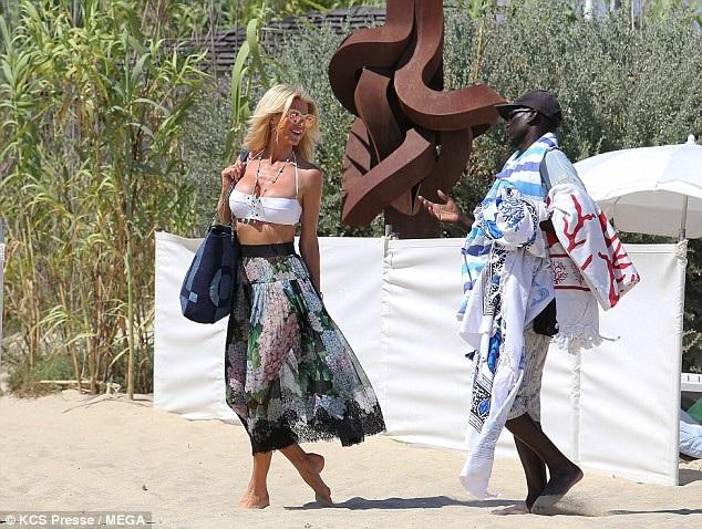Là người mẫu nổi tiếng từ hơn 20 năm nay, Victoria Silvstedt rất giàu có