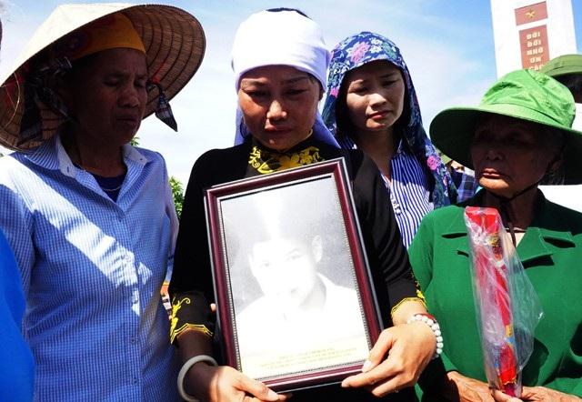 Trong số 98 liệt sĩ được Đội quy tập Bộ Chỉ huy Quân sự tỉnh Nghệ An tìm kiếm cất bốc mùa khô 2017-2018 duy nhất liệt sĩ Quảng xác định được tên tuổi, đơn vị, quê quán cụ thể.