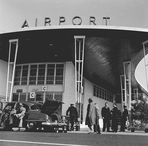 Hình ảnh cho thấy những đổi thay trong các chuyến bay xưa và nay - 1