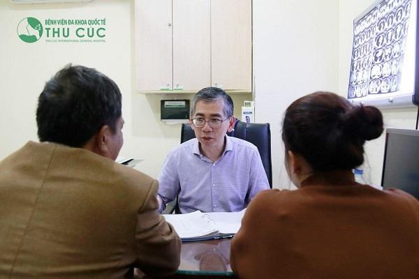 Mỗi trường hợp ung thư phổi sẽ được các bác sĩ tư vấn cụ thể về phác đồ điều trị cũng như tiên lượng bệnh