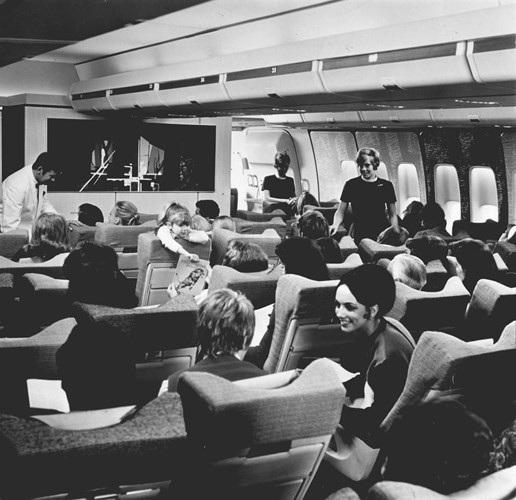 Hình ảnh cho thấy những đổi thay trong các chuyến bay xưa và nay - 17