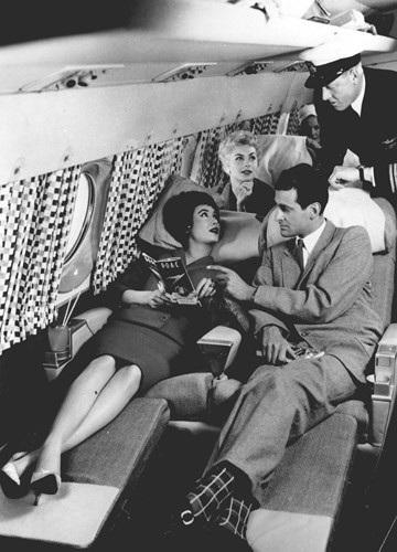 Hình ảnh cho thấy những đổi thay trong các chuyến bay xưa và nay - 26