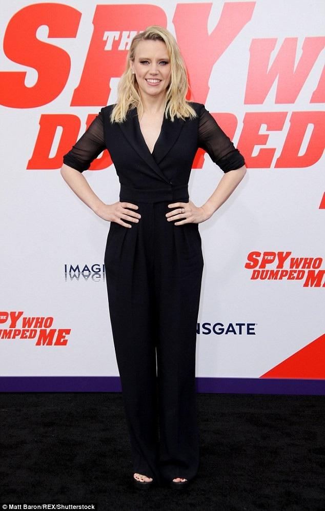 Kate McKinnon là 1 trong 2 sao nữ của bộ phim hài The Spy Who Dumped Me