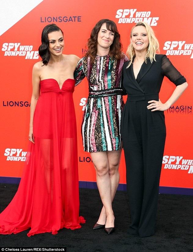 Mila Kunis - gái hai con vẫn đầy quyến rũ