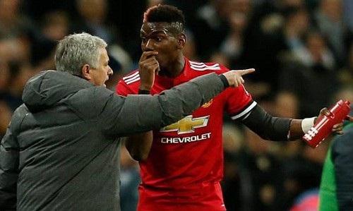 Mourinho cần mềm mỏng hơn với Pogba
