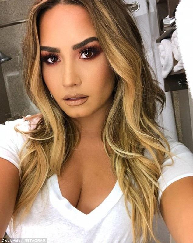 Demi Lovato từng nguy kịch vì sốc thuốc và rượu từ 6 năm trước.