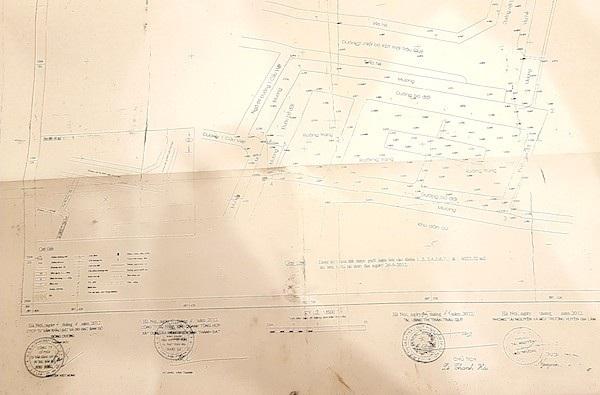 Quy hoạch tổng mặt bằng có con dấu của các cơ quan chức năng huyện Gia Lâm tạo niềm tin cho người dân bỏ tiền mua đất. Tuy nhiên, UBND huyện Gia Lâm không phê duyệt bản vẽ quy hoạch tổng mặt bằng cho công ty Thành Đạt là chủ đầu tư dự án này.