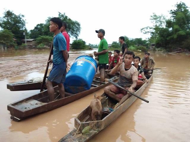 Sự cố vỡ đập thủy điện ở Lào khiến cuộc sống của người dân địa phương rất khó khăn do thiếu chỗ ở vì nhiều nhà đã bị ngập. (Ảnh: Phạm Hoàng).